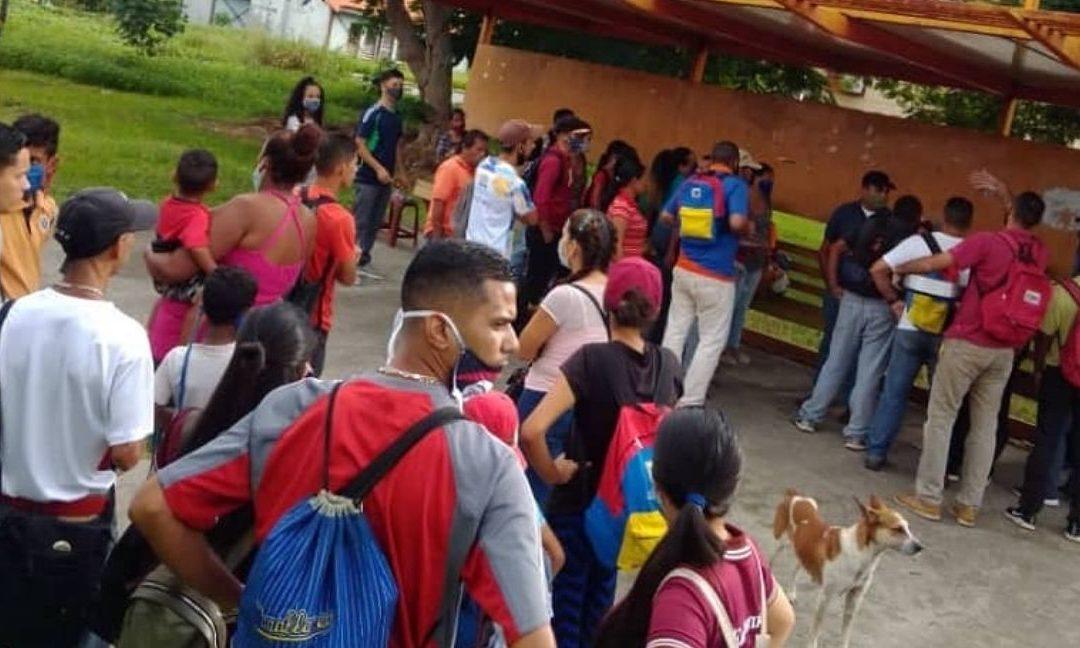 Falta de transporte público en San Carlos deja a pie a los habitantes