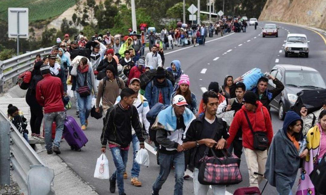 «Caminantes» siguen bajo el acoso de los cuerpos de seguridad