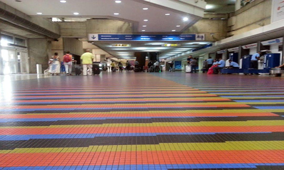 """""""La salida de Venezuela, no es por el aeropuerto"""": Néstor Suárez muestra el verdadero camino"""