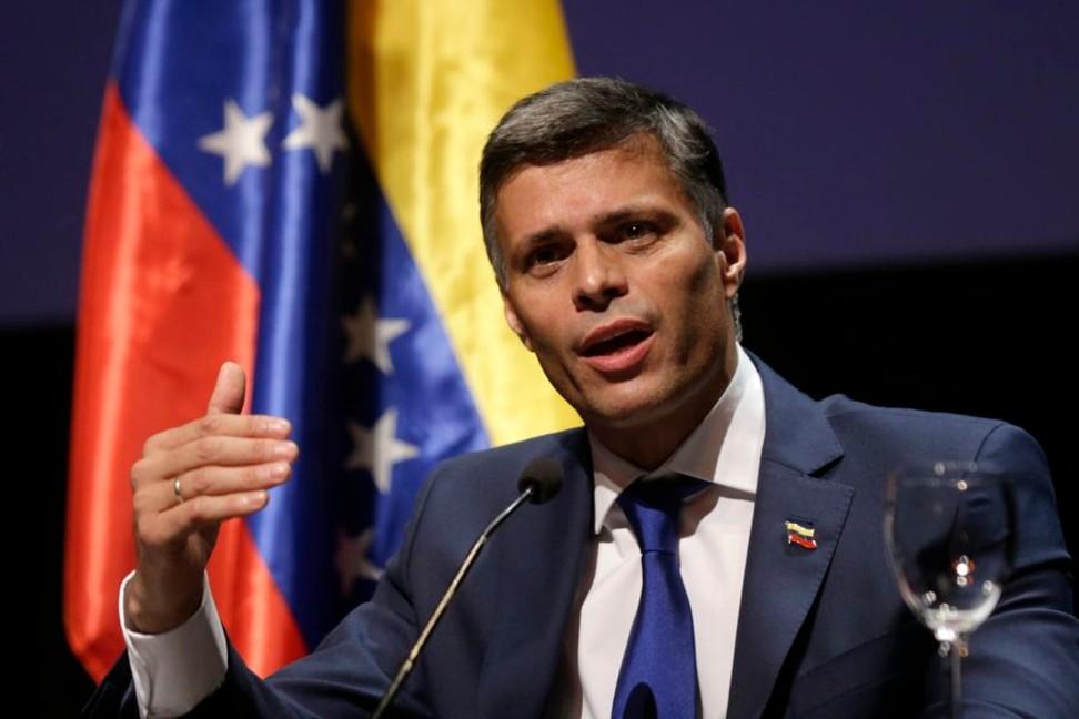 Críticas a Duque por invitar a Leopoldo López a su programa diario