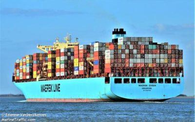 """El buque """"Maersk Essen"""" pierde 750 contenedores por mal tiempo en el Pacífico Norte"""