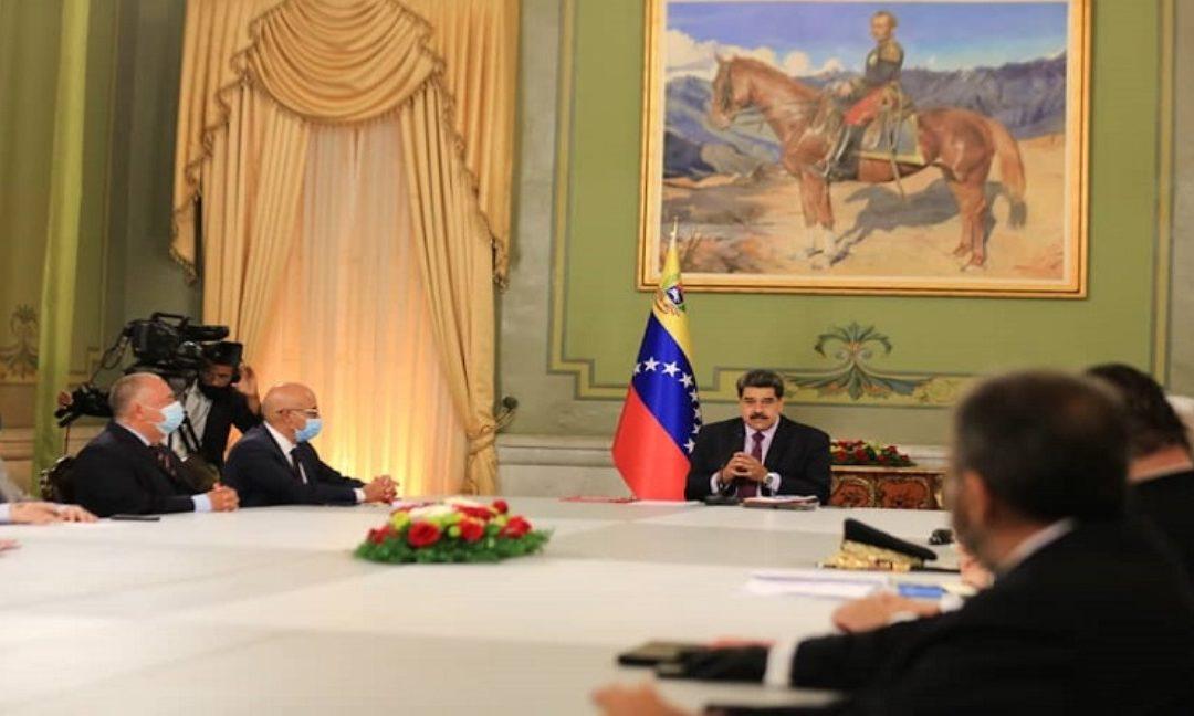 Nicolás Maduro firmó decreto que establece un nuevo territorio marítimo para Venezuela