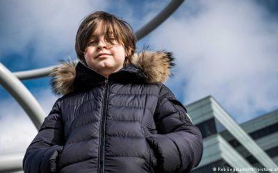 «Niño prodigio» de 11 años finaliza su carrera de física en nueve meses con matrícula de honor