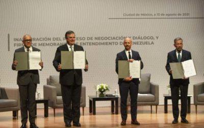 Delegaciones del gobierno y la oposición de Venezuela firmaron memorando para iniciar negociación